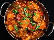 Лесна и бърза пилешка кавърма с доматено пюре и лук